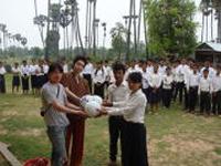 カンボジアでの支援風景