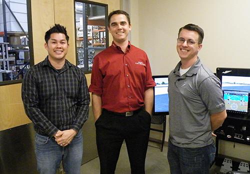 左からカスタマ・サポート部長のJeffさん、営業担当のMichaelさん、導入サポート・マネージャのAllenさん
