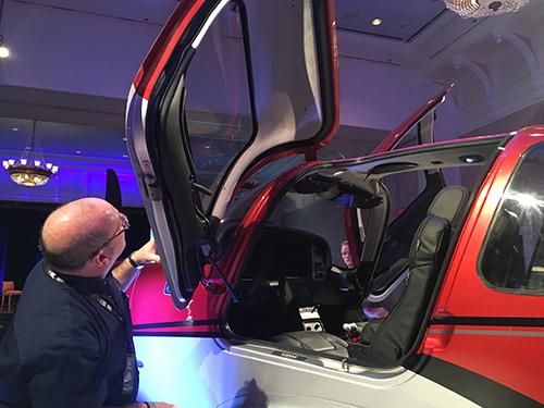 シーラスSR22T 2016年モデル モックアップ