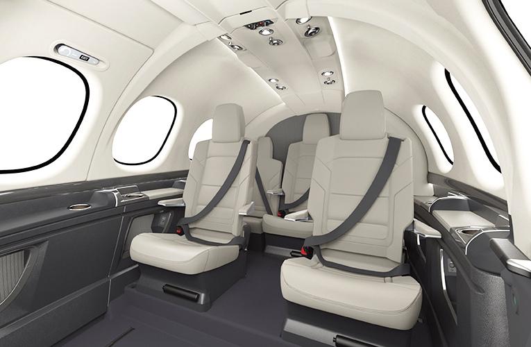 Vision SF50「自家用ジェット」の機内