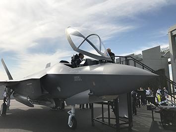 国際航空宇宙展 F-35モックアップ