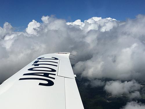 訓練生として飛び始めれば、このような風景を観ることも当たり前になります