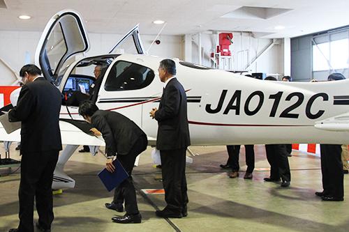 航空大学校シーラスSR22供用開始...
