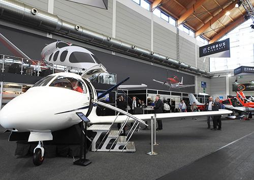 シーラスSF50、通称Vision Jetのモックアップ