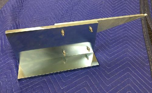 動翼バランス作業用のスタンド