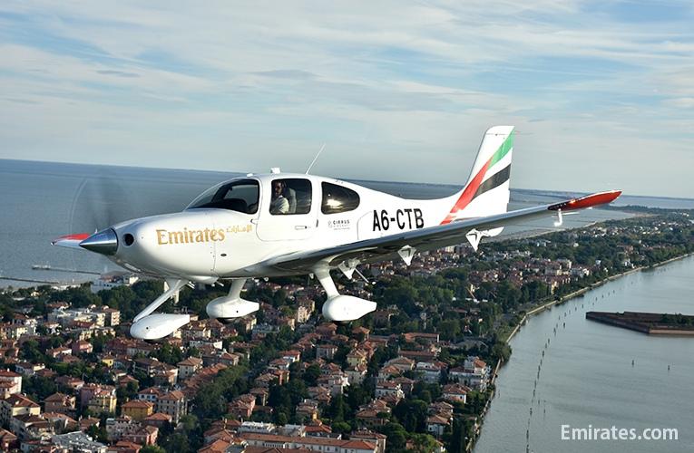 エミレーツ航空にシーラスSR22をデリバリー